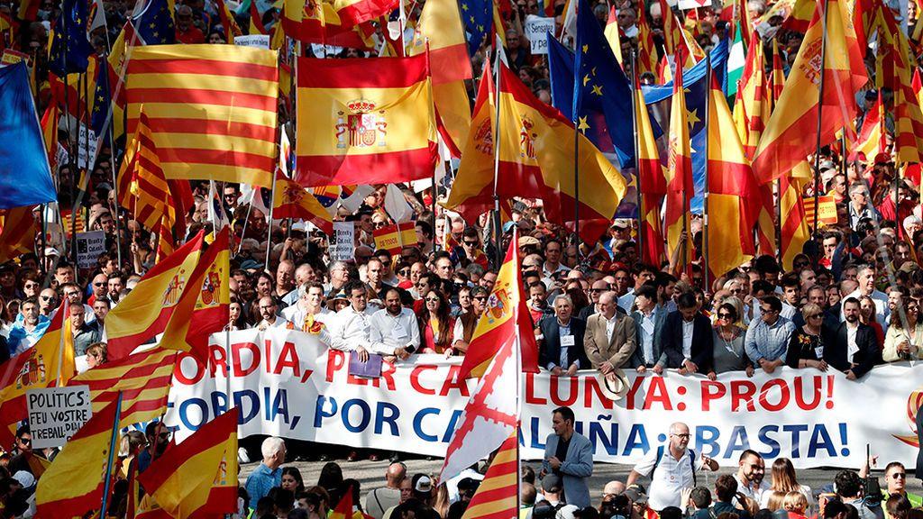 Multitudinaria manifestación del constitucionalismo en Barcelona