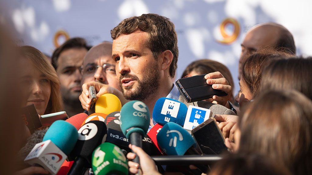 Casado en la manifestación por el constitucionalismo en Barcelona