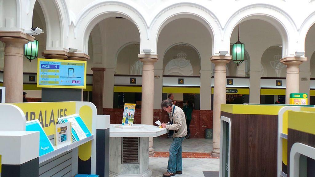 Correos abre en domingo y amplía horarios para votar a distancia el 10-N