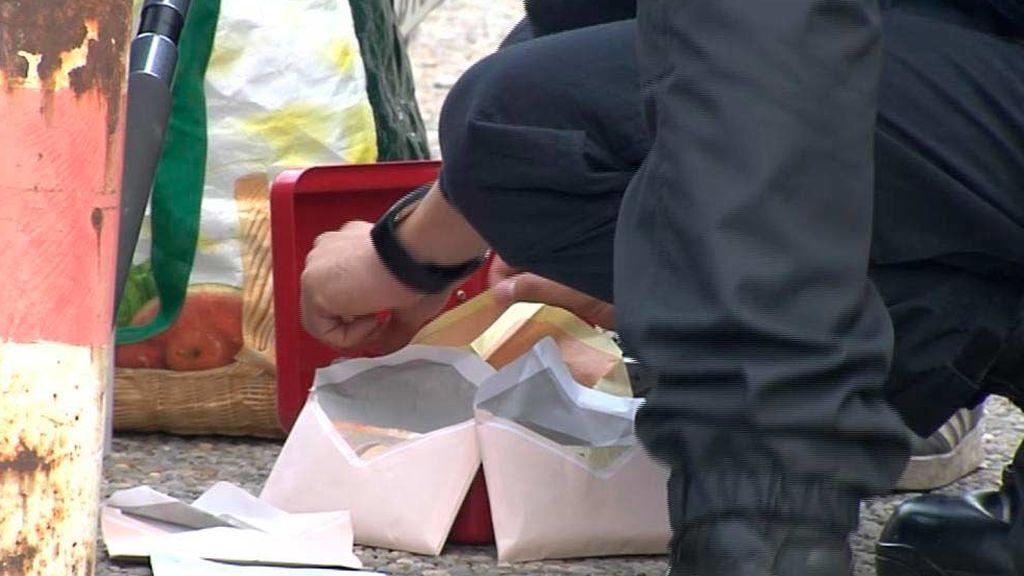 Los Mossos decomisan a  unos manifestantes en La Junquera casi 10.000 euros en sobres dentro de  una caja fuerte