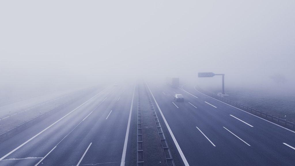 Circula en sentido contrario por la A-231 al despistarse por la niebla cuando iba a un entierro
