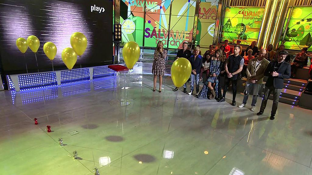 Los colaboradores eligen un globo que contiene al presentador