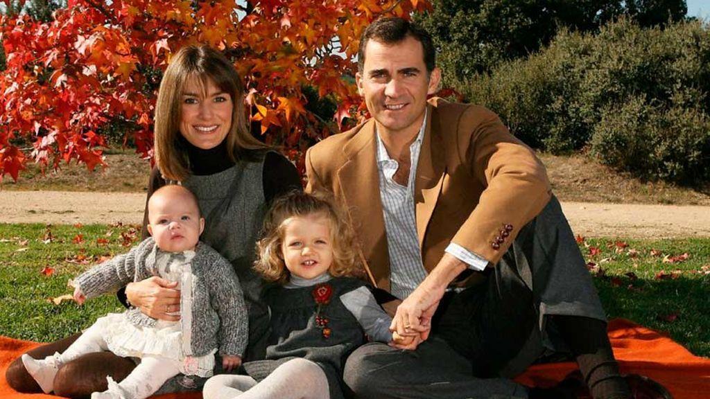 Al año siguiente, 2007, ya felicitó con su hermana Sofía