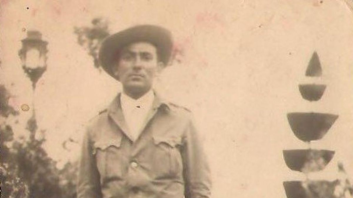 Los otros muertos del Valle de los Caídos: La historia de Benito, el soldado que murió luchando por los que, un año antes, habían ejecutado a su familia