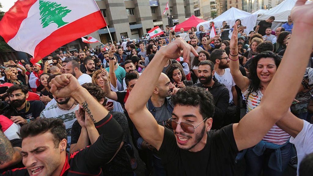Las protestas por un impuesto al Whatsapp llevan a la dimisión del primer ministro libanés