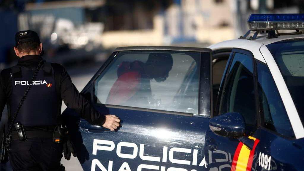 Un hombre de 35 años mata a su padre en Jerez de La Frontera y se entrega a la Policía