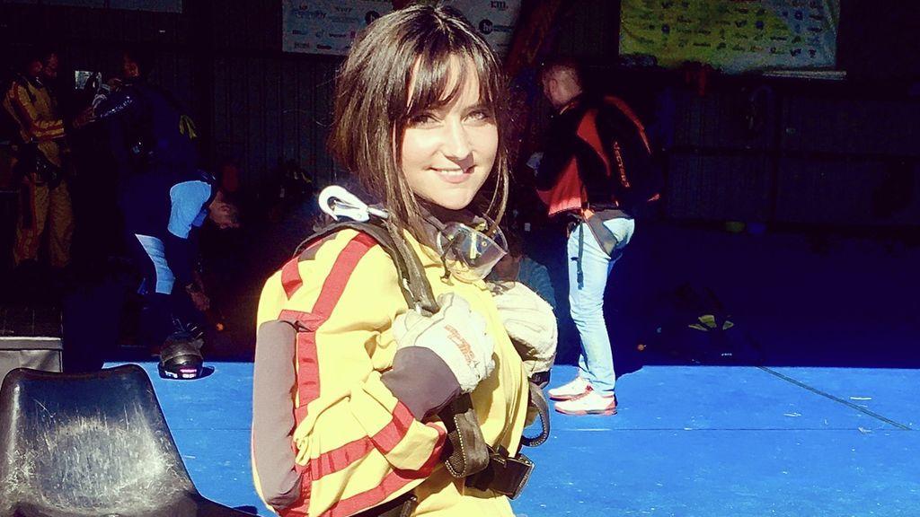 """Candela, 28 años: """"Llevaba mucho tiempo queriendo saltar en paracaídas y por fin me lancé"""""""