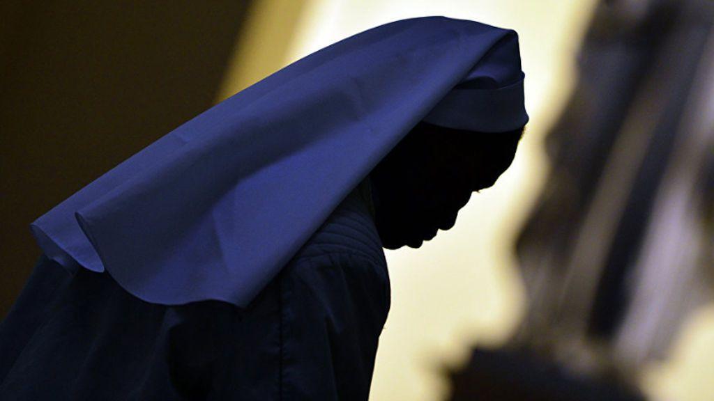 Una monja acude a un hospital en Sicilia con un dolor abdominal y descubre que está embarazada