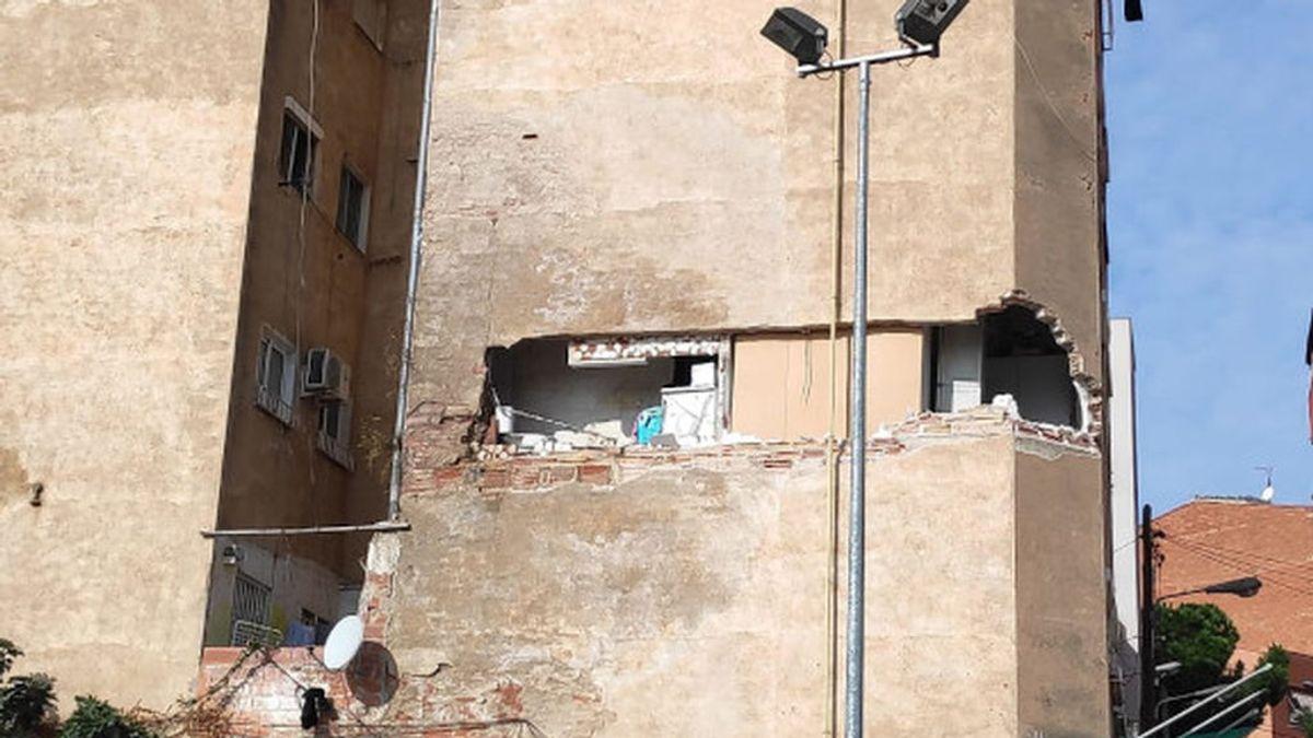 Los vecinos de Badalona, pendientes del edificio a punto del colapso