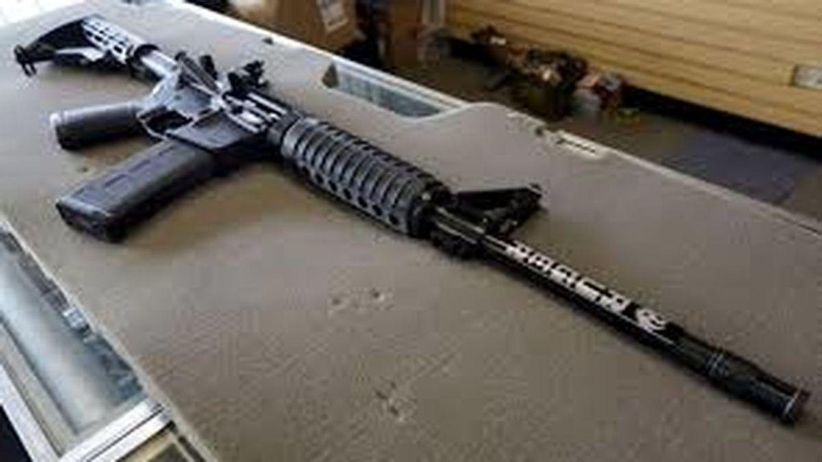 Una mujer embarazada defiende a tiros a su familia de unos ladrones que irrumpieron en su casa