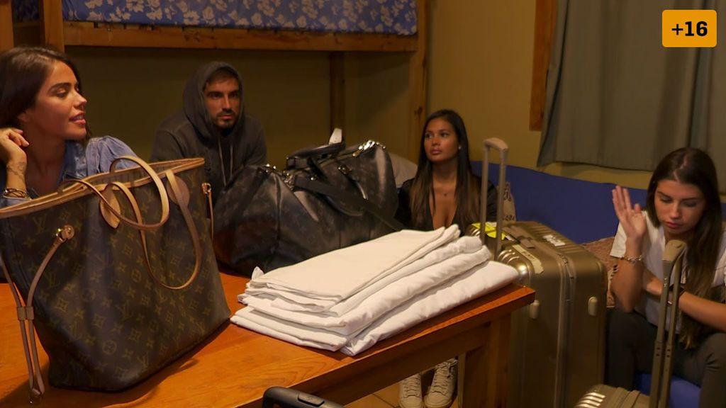 Capítulo 7: Drama de Violeta, Jenni y Kathy con el reparto de habitaciones y el ayuno nocturno