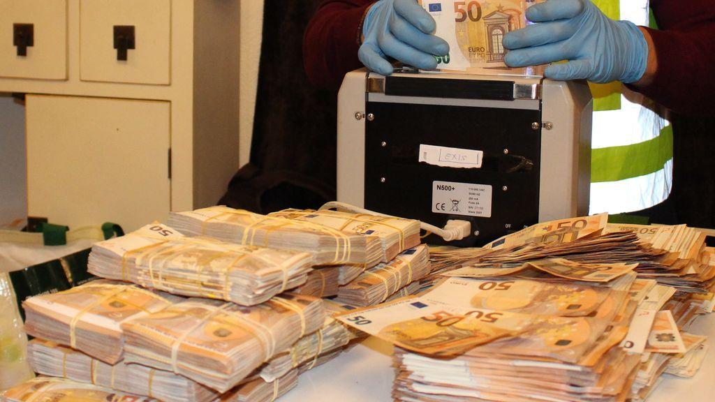 Contando el dinero de los narcos