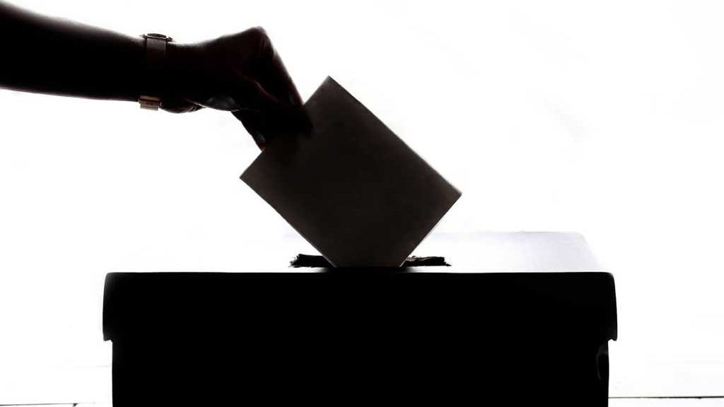 Vox habla de España pero no de democracia: Un análisis de los programas electorales ante el 10-N