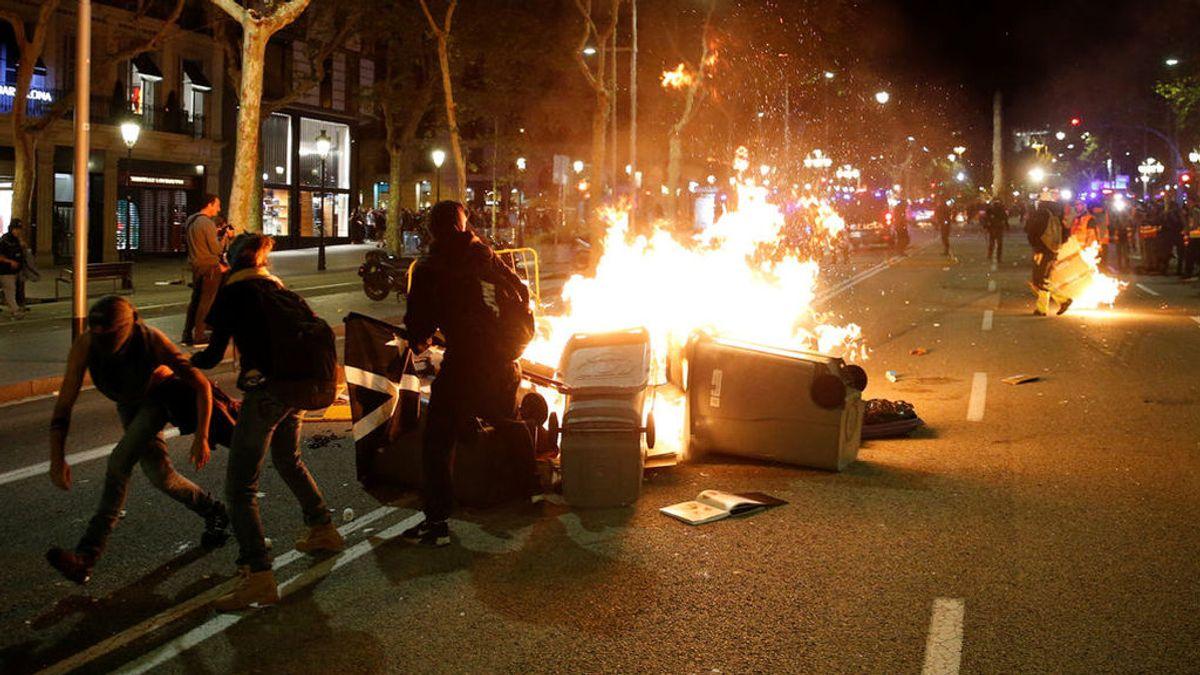 Trasladan a planta al policía herido grave en Barcelona