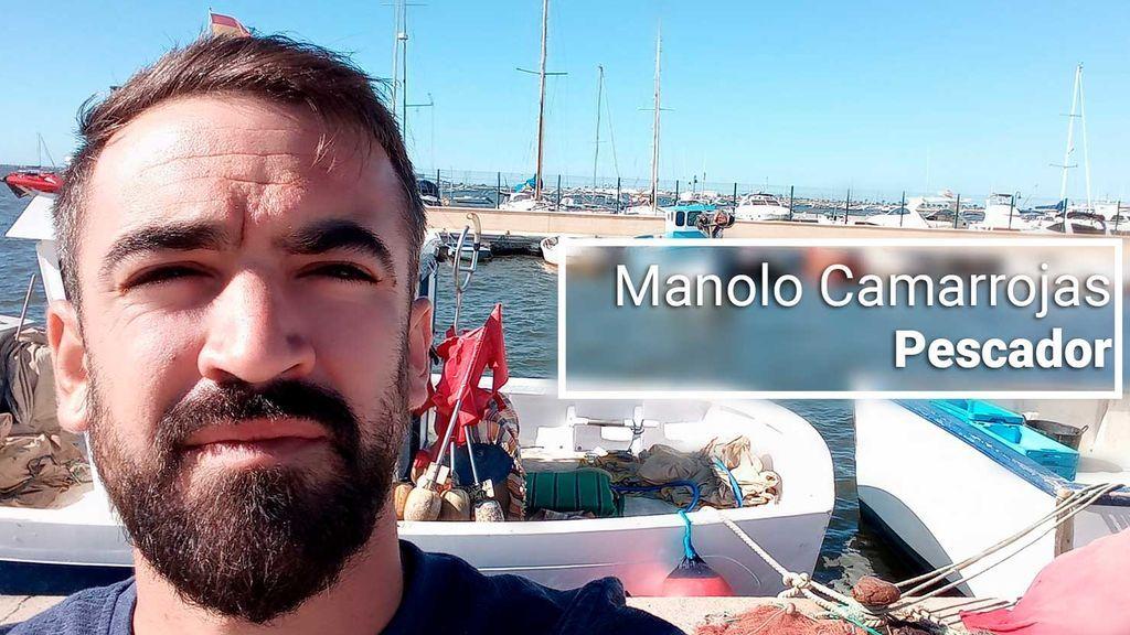 """Manolo Camarrojos, 30 años, pescador del Mar Menor """"Dicen que están con nosotros. Pero los que tenemos que hacer grandes esfuerzos por llevar un plato a casa somos nosotros."""""""