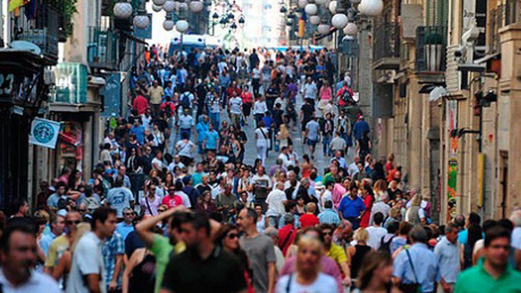 Ni efecto Thomas Cook, ni procés: nada puede con las ganas de visitar España y los turistas solo caen un 0,2%