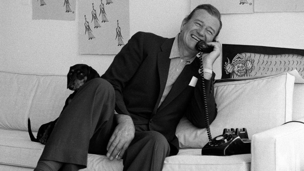 John Wayne , el mito de una nación que tenía que rodar por la mañana porque el resto del día estaba borracho