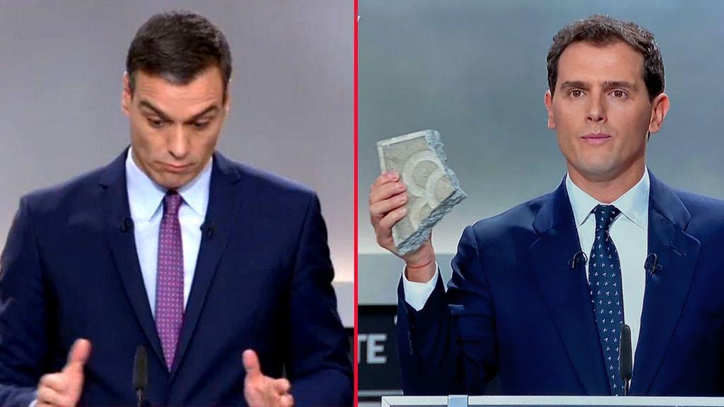 Aciertos y errores del lenguaje no verbal del debate: de la llamativa corbata de Sánchez al 'lapsus linguae' de Iglesias