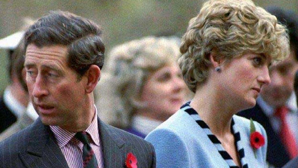 La carta en la que la reina Isabel II le exigió a Lady Di que se divorciara del príncipe Carlos