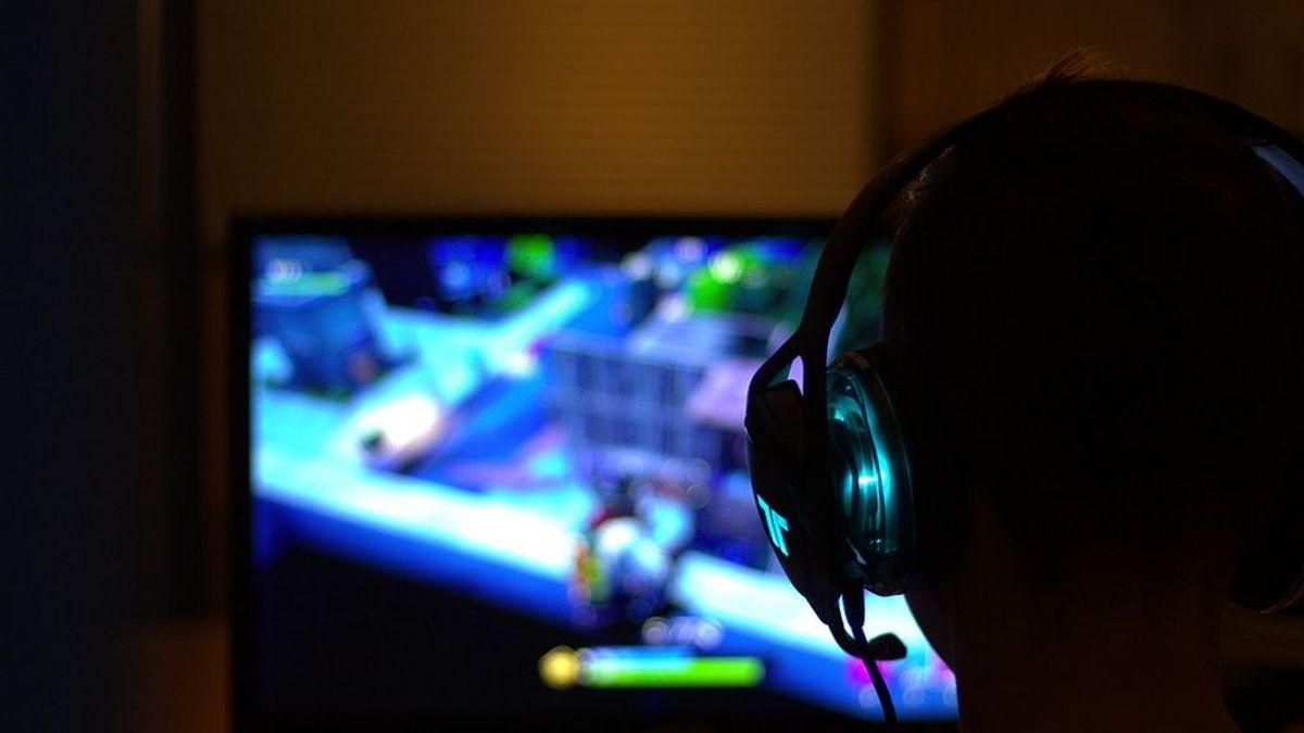 Un joven de 17 años muere tras sufrir un derrame cerebral mientras jugaba a los videojuegos en Tailandia