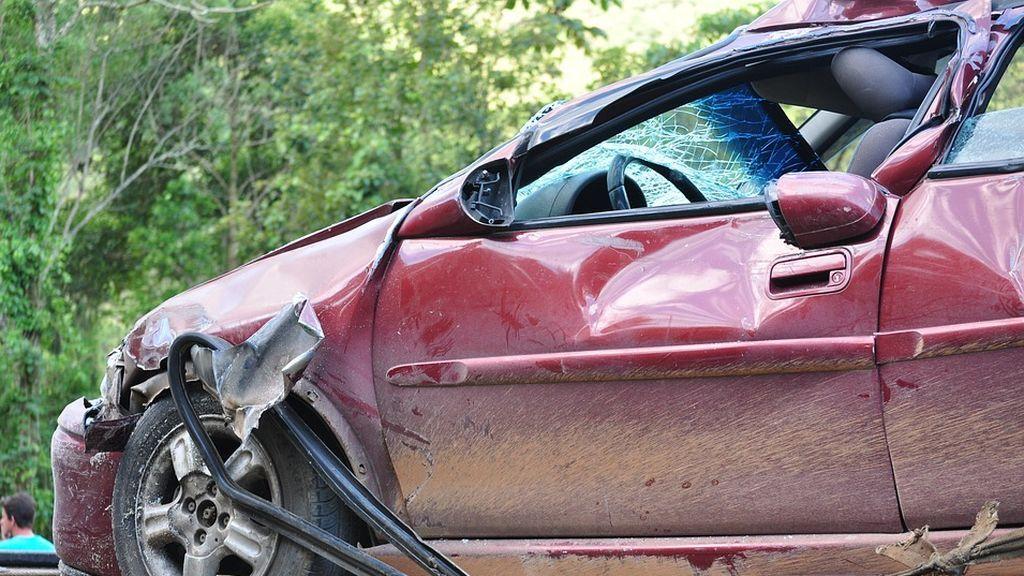 Cuatros jóvenes mueren al impactar su vehículo contra un árbol en Argentina