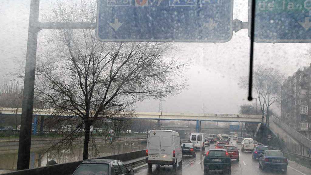 Alerta en ocho provincias por viento, lluvia y nieve