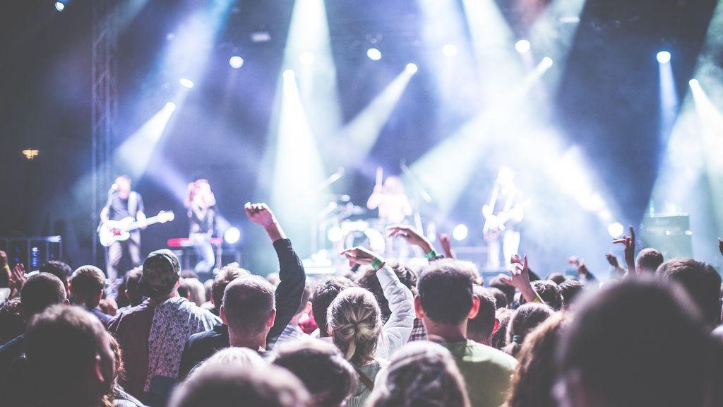 Los jóvenes y la música, cuando el machismo entra por los oídos