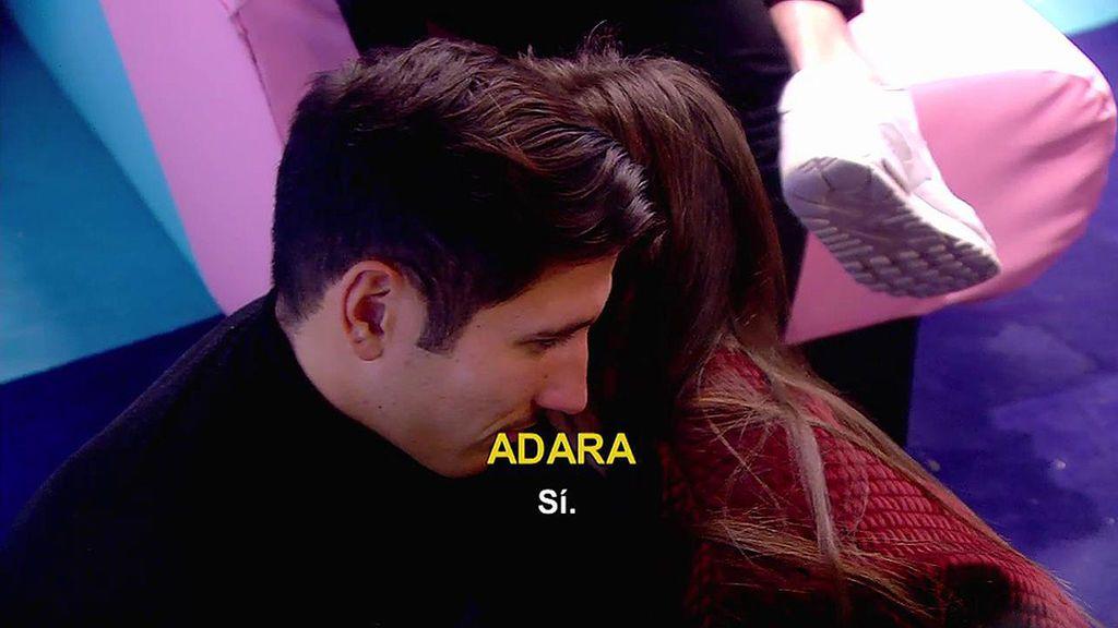 Adara le confiesa a Gianmarco que está enamorada de él