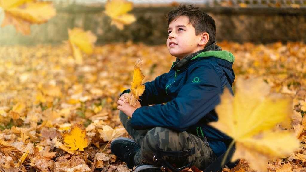 ¿Qué les sucede a los niños con autismo cuando crecen?