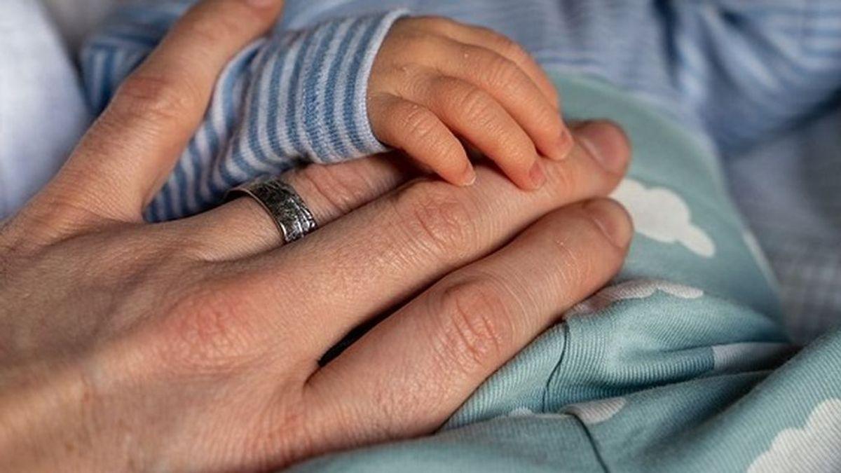 Desahuciada una mujer maltratada con un bebé en Valencia