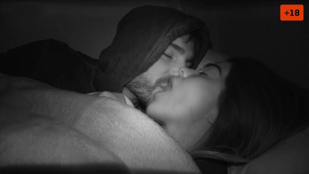 Capítulo 8: Violeta y Fabio hacen el amor en la primera noche