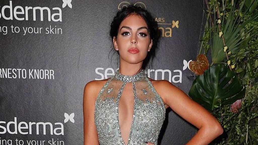 """Georgina Rodríguez confiesa con un meme que es adicta a probarse ropa: """"Voy solo a mirar"""""""