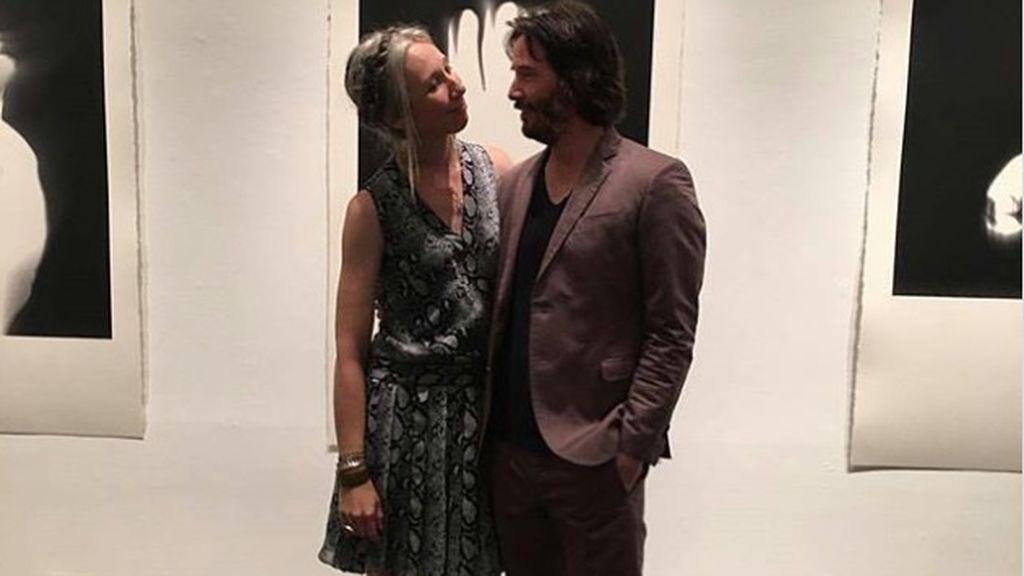 El actor Keanu Reeves presenta a su novia, Alexandra Grant, y las redes se revolucionan