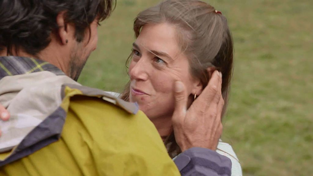 """El viento lleva a Pablo hasta los brazos de Ona: """"Hay muchas preguntas que no tiene respuesta"""""""