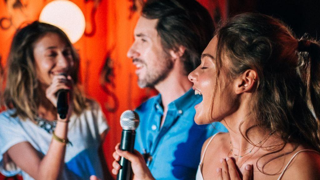 El karaoke japonés llega a Madrid: lo probé y me sentí artista sin pasar vergüenza