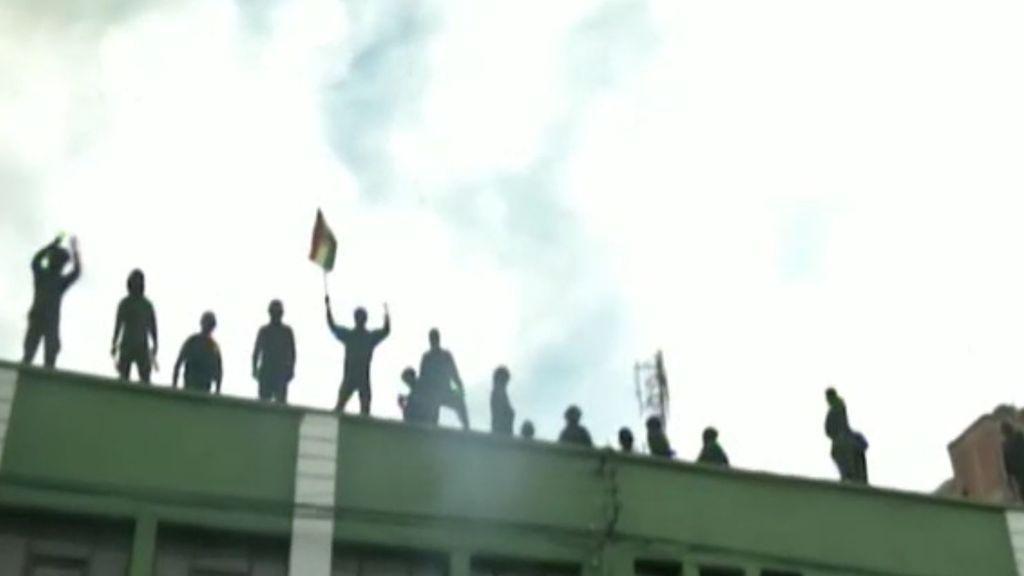 Crece la tensión en Bolivia tras los motines de varias unidades policiales
