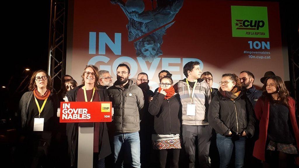 La CUP entra en el Congreso y pide que los partidos independentistas bloqueen la investidura