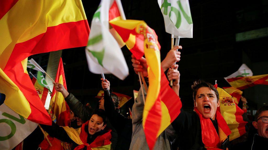 España hace pagar caro las nuevas elecciones y apuesta por los extremos