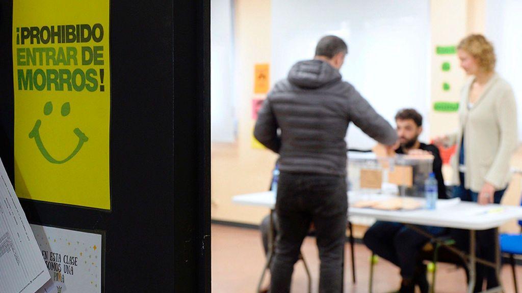Detenido en Valladolid  por ir a un colegio electoral  con un cuchillo en la mano