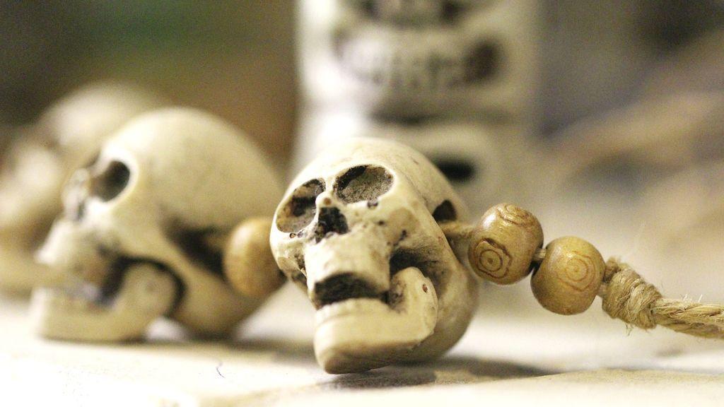 Se encuentra el cuerpo sin vida de un bebé marcado con el número '666'