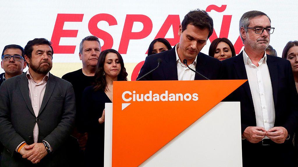 Imágenes de la noche electoral en las sedes de los partidos