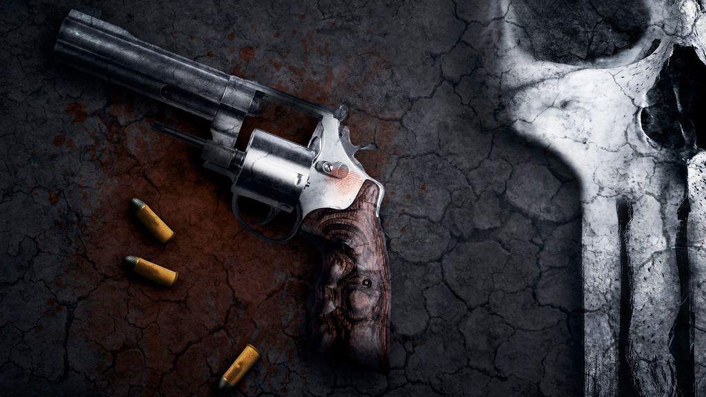 Detienen un hombre en Valencia por amenazar a su mujer y poseer armas de fogueo, armas blancas, flechas de ballesta y estrellas ninja