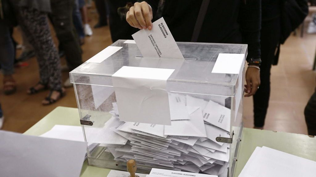La participación baja casi dos puntos respecto al 28A y la abstención se queda en el 30%