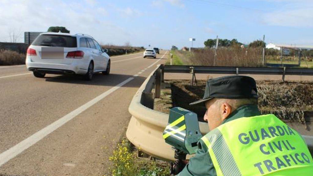 Un conductor se luce en Instagram conduciendo a  220 kilómetros por hora por una autovía de Cáceres