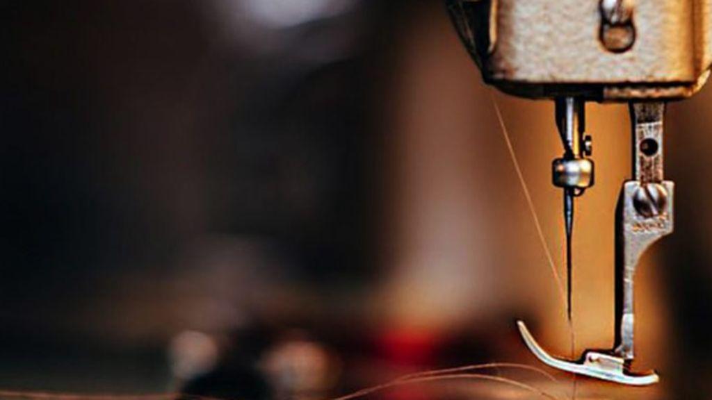 La nueva moda de los españoles es la costura: se dispara la venta de máquinas de coser