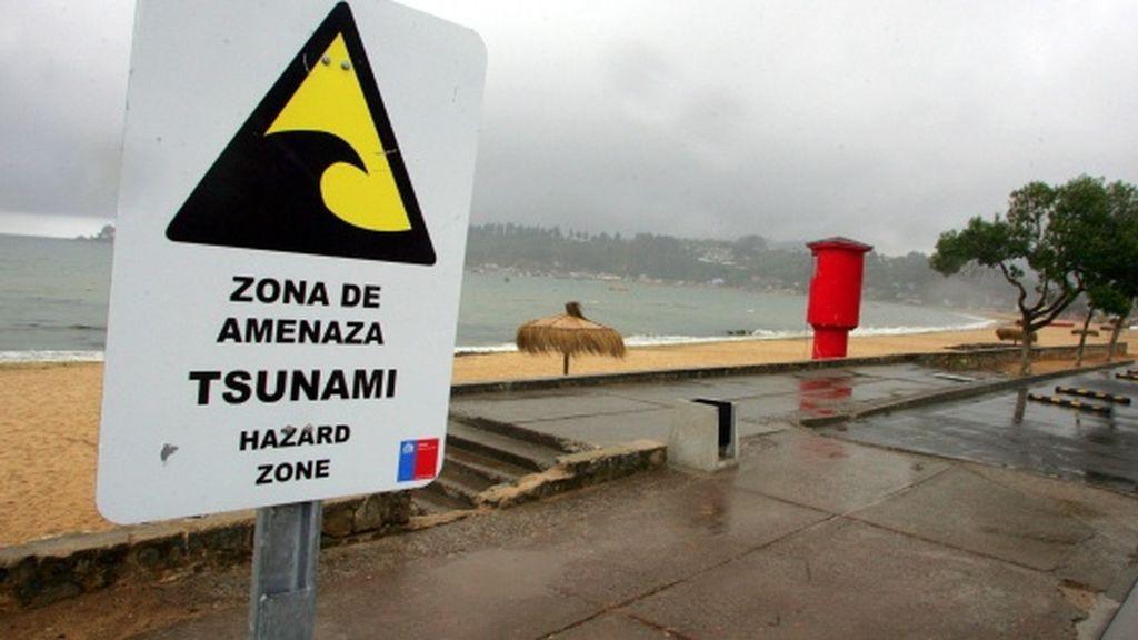 El presidente de El Salvador alerta a la población de riesgo de tsunami y pide que se desplacen a las zonas altas