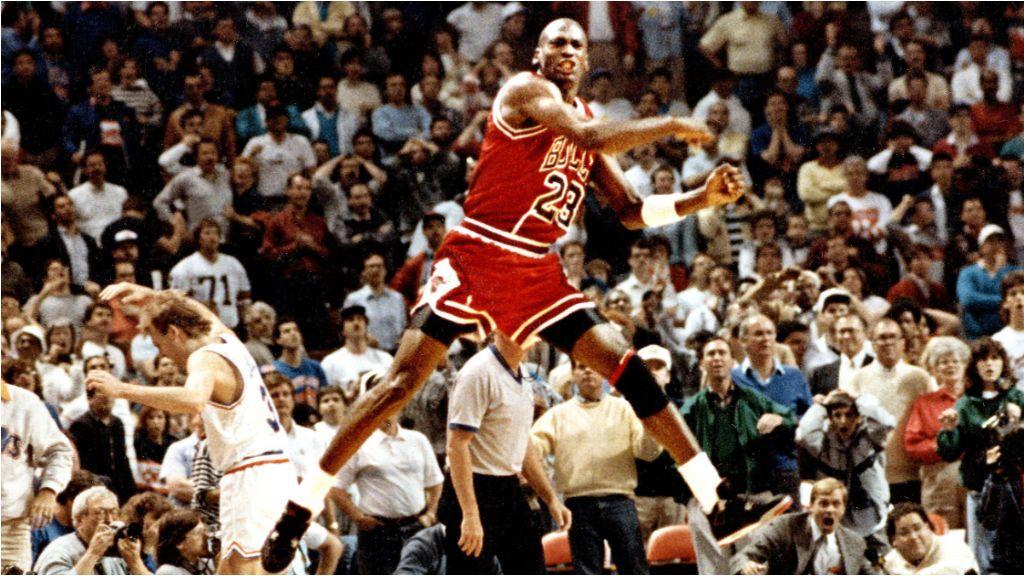 """El día que Michael Jordan metió 52 puntos después de tomarse diez cervezas: """"Estuvimos bebiendo y se fue a jugar"""""""