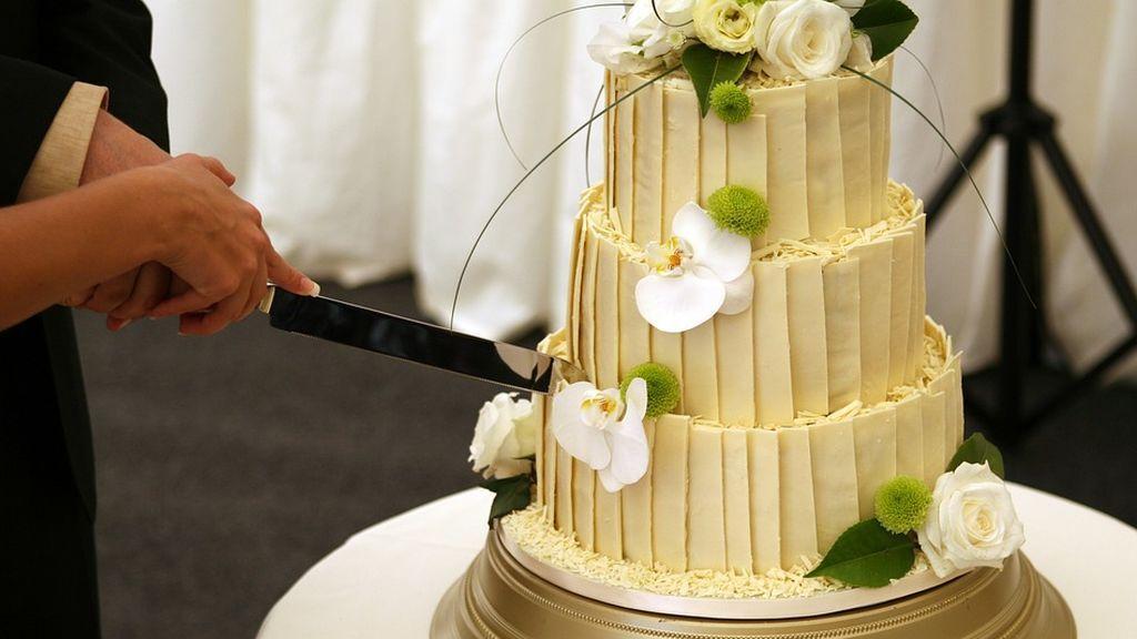 Una pareja demanda al hotel donde celebró su convite por violar su privacidad publicando en redes imágenes de su sangrienta boda