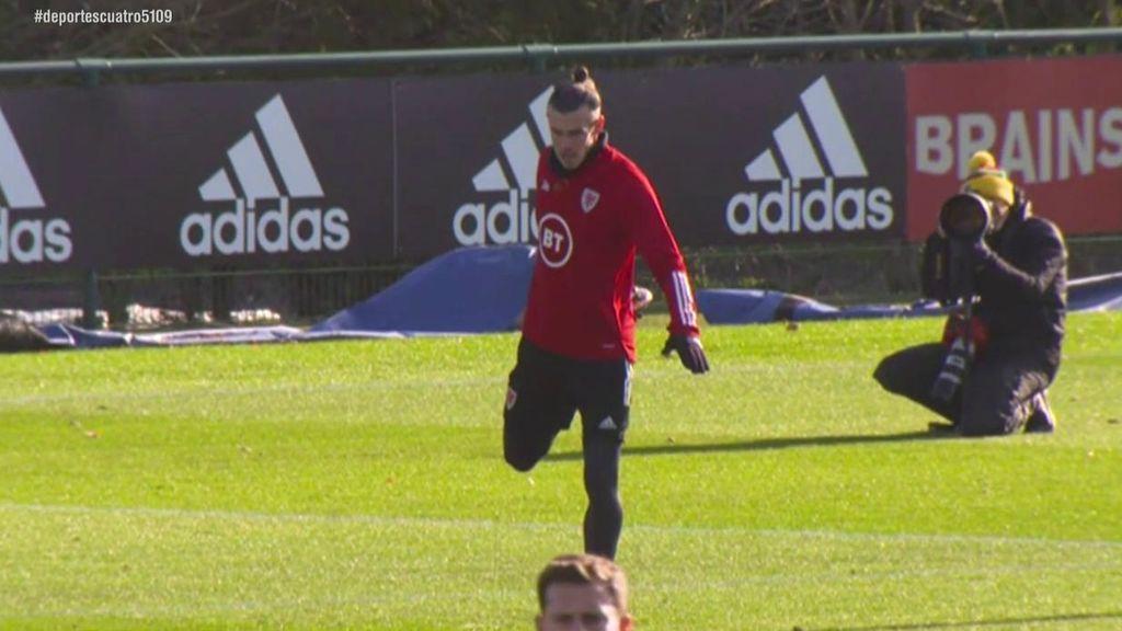 Bale entrena con Gales