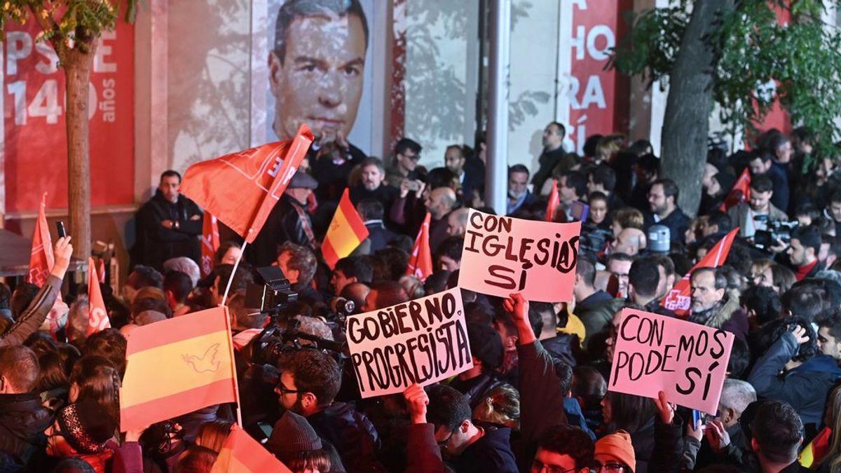 """Los militantes del PSOE a Sánchez: """"Del Rivera no"""", al """"Con Iglesias con Iglesias"""""""